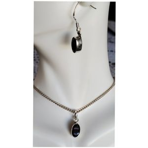 Jewelry - Deep Red Garnet Earring and Pendant Set